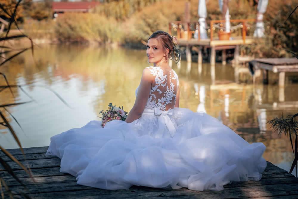 Hogyan válasszunk menyasszonyi ruhát?